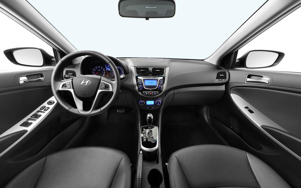 Hyundai Accent интерьер