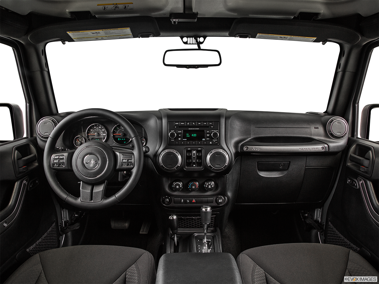 Интерьер Jeep Wrangler
